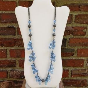 Jewelry - Convertible blue beaded necklace